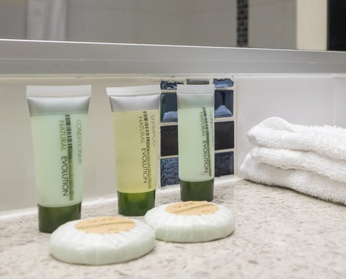 cairns hotel amenities provided at the sunshine tower hotel